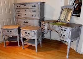Bedroom Set With Vanity Dresser Vintage Bassett Bedroom Set Provincial Distressed