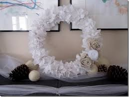 d i y winter wreath roundup 35 winter wreaths you can make yourself