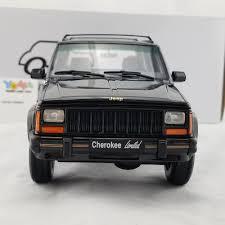 jeep cherokee black otto 1 18 jeep cherokee limited black dx8 ot219 u2013 yomacarmodel