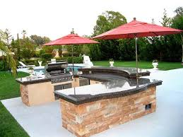 Backyard Designs With Pool And Outdoor Kitchen Cheap With Photos - Backyard kitchen design