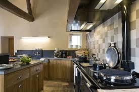 cuisine credence carrelage en cuisine le carrelage préfère la crédence inspiration cuisine