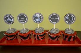 fifty shades of grey red velvet cupcakes