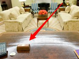 Oval Office Desk S Presidential Desk Has A Tiny Button That He Presses To