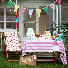 party decoration ideas in the garden with entertainment and games