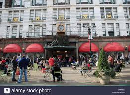 Macy S Herald Square Floor Plan by Macys Department Store Christmas Displays Stock Photos U0026 Macys