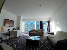 hotel lille dans la chambre suite supérieur chambre photo de hôtel barrière lille lille