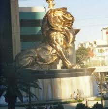gold lion statues lions of las vegas