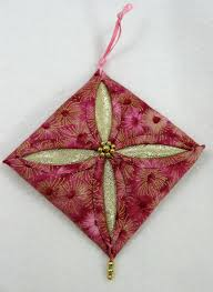 quilted christmas ornament cathedral window christmas