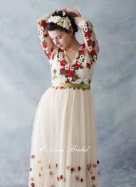 retro design embroidered tulle long sleeve bridal wedding dress