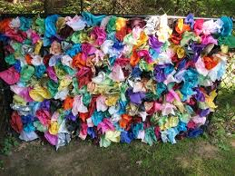 Decorate A Chain Link Fence 18 Best Art Club Pop Up Art Displays Images On Pinterest Art