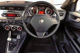review alfa romeo giulietta 2011 on multiair and qv