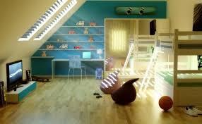 kinderzimmer mit schräge kinderzimmer mit dachschräge etagenbetten regale schräge