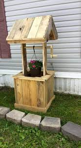 Pallet Furniture Patio by Pallet Wishing Well 70 Pallet Ideas For Home Decor Pallet