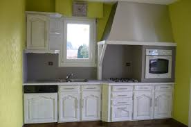 relooker une cuisine en chene relooker cuisine chene massif rayonnage cantilever