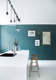 cuisine blanche et bleue cuisine blanc et bois excellente cuisine design bois indogate