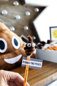 no 2 pencils lol perfect emoji party favor love all these ideas