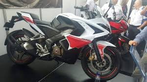pulsar rs 200 red white paint scheme spotted in columbia