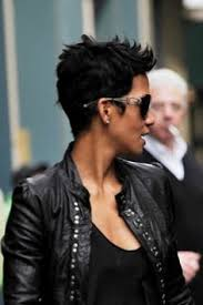 back view of halle berry hair halle berry see through dress halle berry pinterest halle