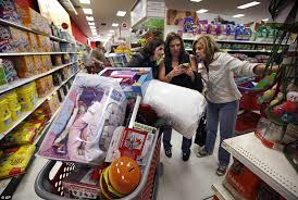 target cookware sets black friday brawls and arrests on u0027gray thursday u0027 overshadow quiet black