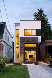 the linear house green dot architects architects toronto