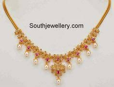 simple 22 carat gold light weight necklace studded with