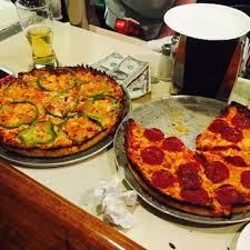 Round Table Pizza Lynnwood Lynwood Cafe 78 Photos U0026 251 Reviews Pizza 320 Center St