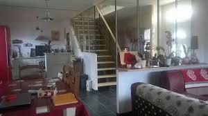 escalier entre cuisine et salon escalier salon image escalier dans le salon dco duhier et porte