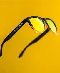 canap de sol las gafas de sol de hawkers o cómo cuatro jóvenes de elche facturan
