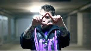 cosa sono gli illuminati fedez rapper italiano italian illuminati