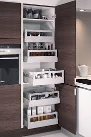 cuisine colonne une cuisine maxi rangements my kitchen kitchens