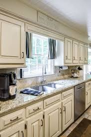Kitchen Cabinet Surfaces Best 25 Chalk Paint Kitchen Cabinets Ideas On Pinterest Chalk