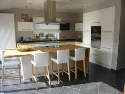modele de cuisine avec ilot cuisine avec ilot central et table de impressionnant modele moderne