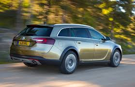 vauxhall insignia estate vauxhall insignia country tourer review 2013 2015 parkers