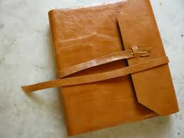 linen writing paper blank journals albums the gilded leaf the gilded leaf exposed long stitch sewing hard rear board covered in linen sailcloth to facilitate writing in lap creme textweight paper 8 3 4 x 6 1 4 5 8 thick