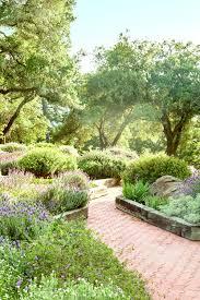 Backyard Landscaping Design Ideas On A Budget Landscape Designs For Front Yards Front Yard And Backyard