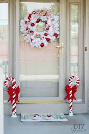 Outdoor Christmas Decorations Red And White by 18 Easy And Cheap Diy Outdoor Christmas Decoration Ideas