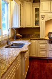 Kitchens With Cream Cabinets by Kitchen Cabinets Cream Color Best 20 Painting Oak Cabinets Ideas