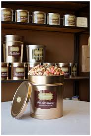 send custom mixed gourmet popcorn corporate gift sets