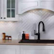 fasade backsplash quilted in gloss white