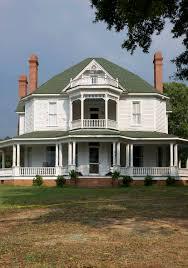 the farm house from walking dead love it travel bucket list