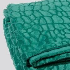 plaid turquoise pour canapé plaid turquoise pour canape 2 plaid douceur crocodile vert