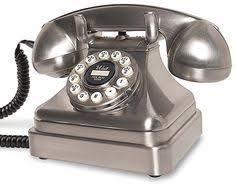 le de bureau style anglais le 746 est un téléphone anglais rétro et icônique des ées 60