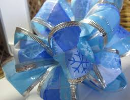 wire edged ribbon learn how to make a wired ribbon bow inspiration avenue