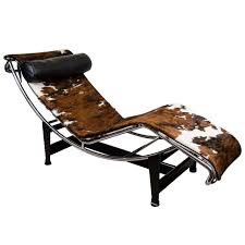 a mid century le corbusier lc4 lounge chair in cowhide at 1stdibs