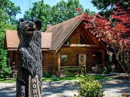 log home with two master suites great homeaway branson cedars