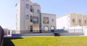 Master Beds Stunning 6 Master Beds Private Entrance Aed250 000 Per Year