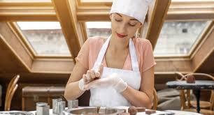 femme qui cuisine fantastic cours de cuisine dijon atelier des chefs concept