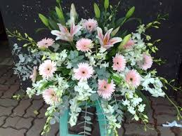 flowers for funerals ideas in choosing flowers for funerals j birdny