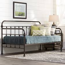 Best 25 Farmhouse Bed Frames by Best 25 Farmhouse Daybeds Ideas On Pinterest Rustic Daybeds