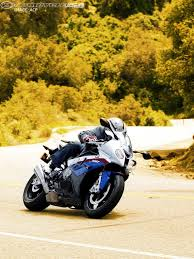 Bmw S1000rr Review 2013 2010 Bmw S1000rr Street Smackdown Photos Motorcycle Usa